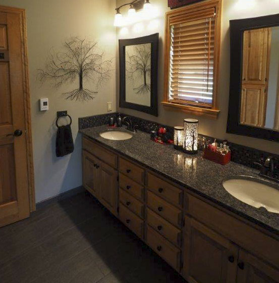 Beautiful Home Updated With Hardwood Floors Granite Counter Tops And